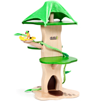 Anamalz Treehouse with Toucan