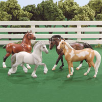 Stablemates 4 Horse Gift Collection