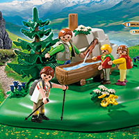 Playmobil Mountain Life - Backpacker Family at Mountain Spring